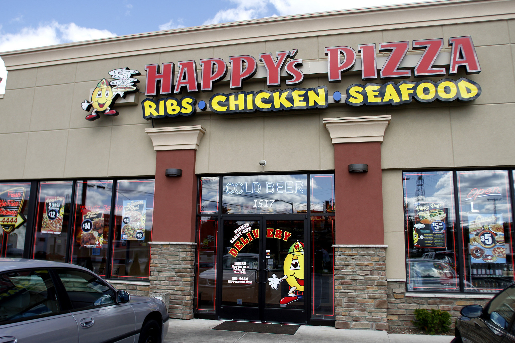 The Varied Menu Offered At Happy's Pizza LLC Works Well In Today's World