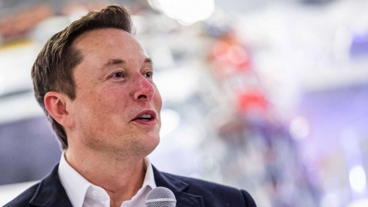 Elon Musk Is Rolling Out Space-Based Global Internet Service
