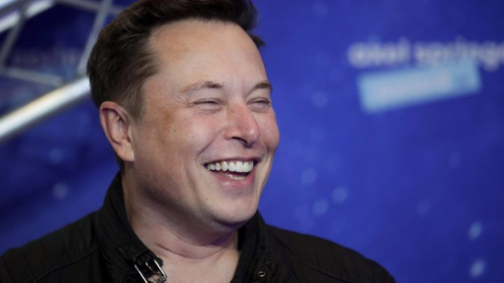Elon Musk Has Become the Wealthiest Person in the World By Surpassing Jezz Bezos with $1 Billion