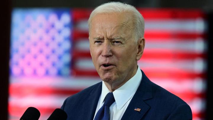 Biden Rallies Lawmakers to Support Budget Bill